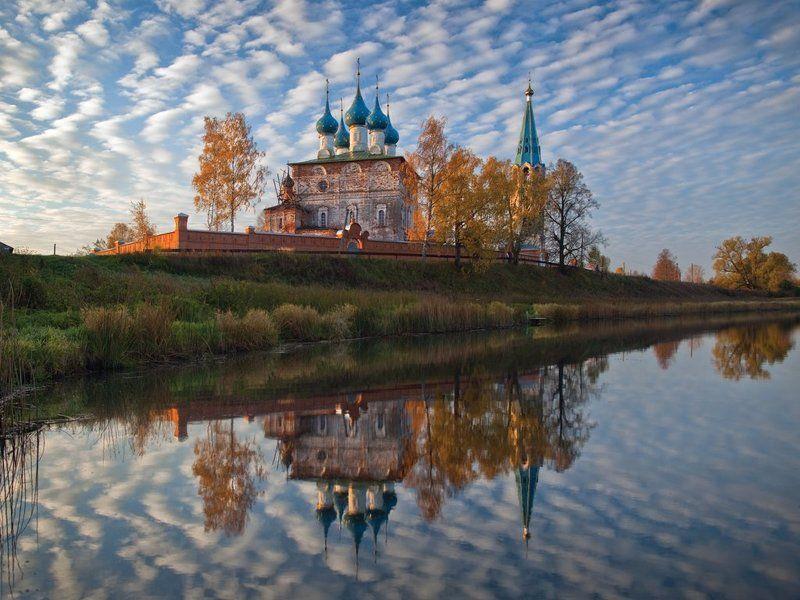 дунилово, зеркало, монастырь, отражение, теза, храм, церковь Волнистый занавесphoto preview