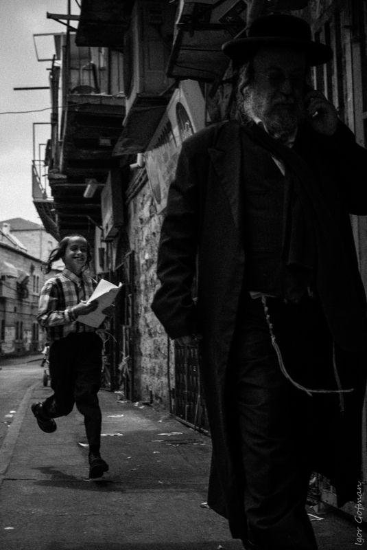 #street #streetphoto #israel #bw Kidphoto preview