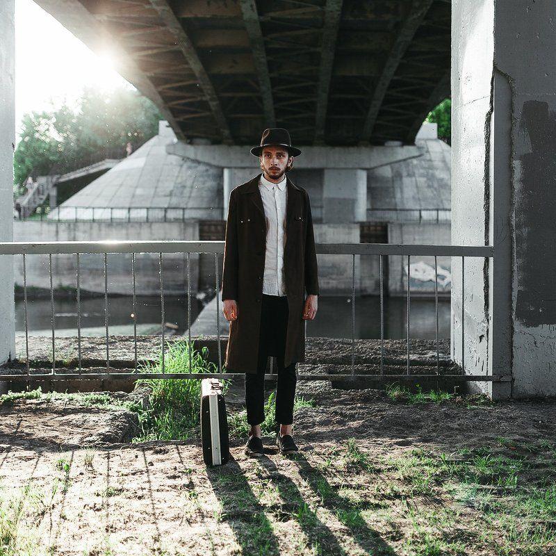 35мм, Color, Film, Man Под мостомphoto preview