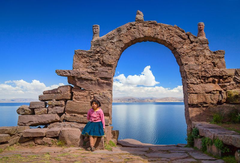 Перу, Титикака, озеро, арка, девочка, остров Такиле Просторы озера Титикакаphoto preview