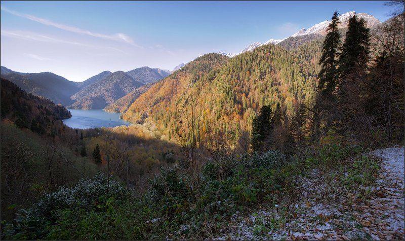 Озеро Рица. Осень.photo preview
