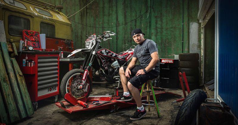Marat Kankadze and his bikephoto preview