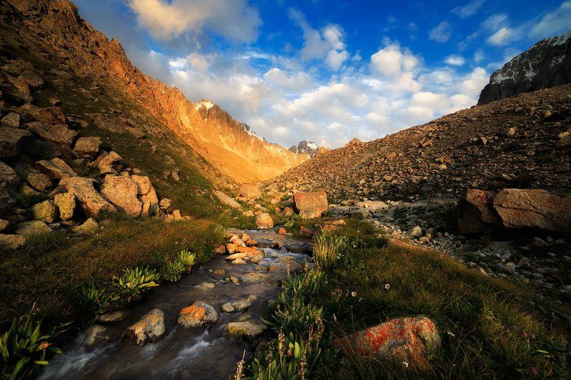 киргизия, горы, ала-арча По дороге до хижины Рацекаphoto preview