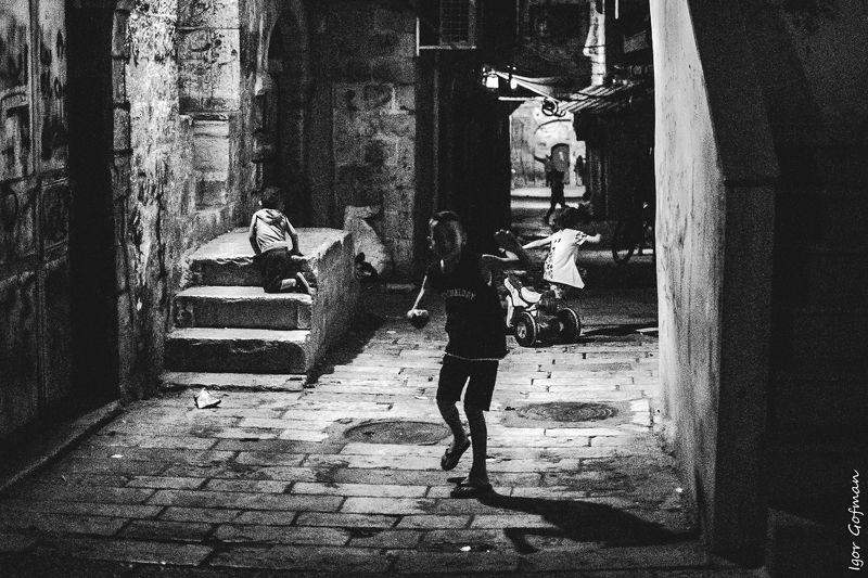 #israel #jerusalem #street #streetphoto #genre #bw Fan fan fanphoto preview