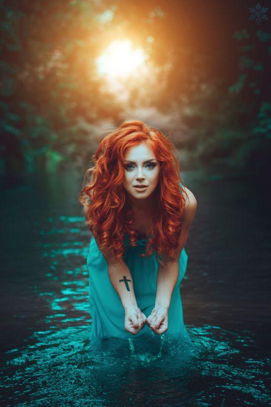 рыжая, девушка, природа, красота, вода, солнце,  people, water, girl, red, blue Омовениеphoto preview