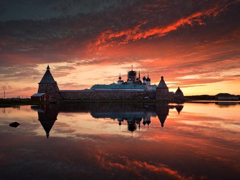 Закат, Отражение, Святое озеро, Соловецкий монастырь, Соловки Еще заря багрянцем стылаphoto preview