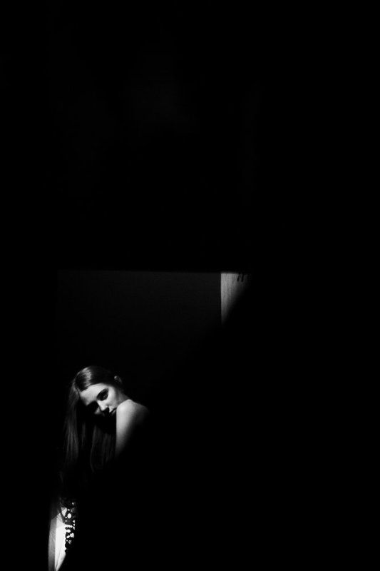 зеркало, темнота black lightphoto preview