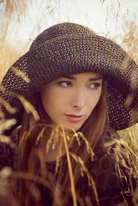 поле, девушка, шляпа, лето Ксюшаphoto preview