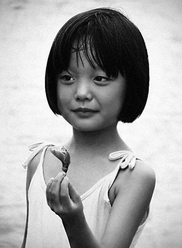 девочка, лето, взгляд, цветок, китай Чудо в моих руках...photo preview