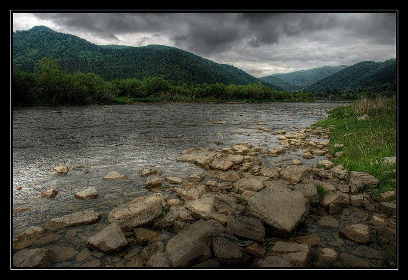 горы, река, лес, гроза Карпатыphoto preview