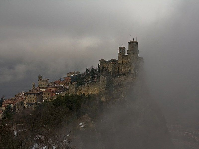 сан, марино, замок, над, миром Замок над Миромphoto preview