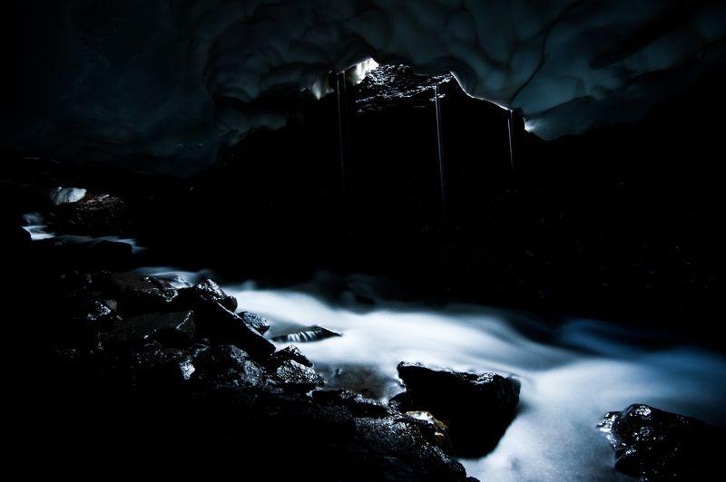 снежная пещера, камчатка, дикая природа Царство Снежной Королевыphoto preview