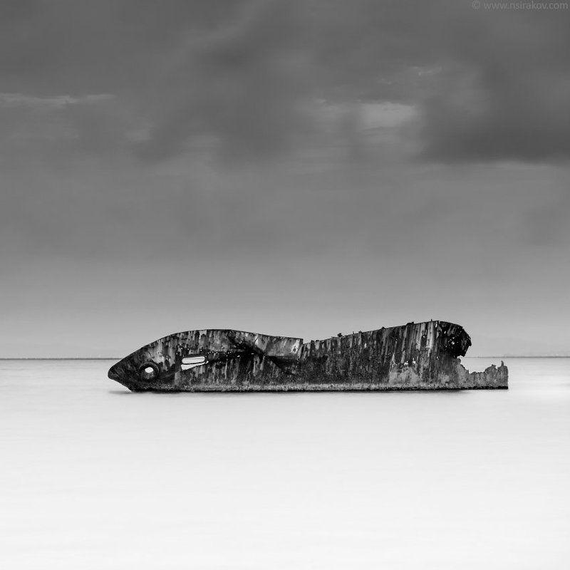 ship, wreck, sea, sun Moby Dickphoto preview