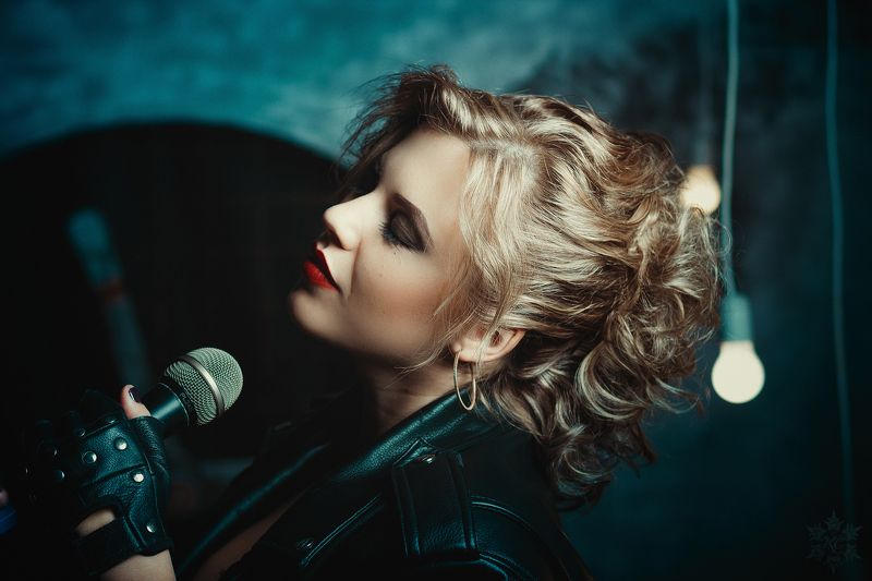 рок, красивая девушка, музыка ROCK FOREVERphoto preview