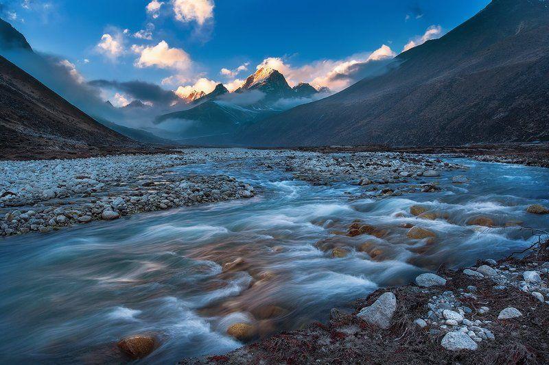 #непал #гималаи #горы #небо #облака #река #озеро #вечер #закат #nepal #himalayas #mountains #sky #clouds #river #lake #evening #sunset The Majesty of the mountainsphoto preview