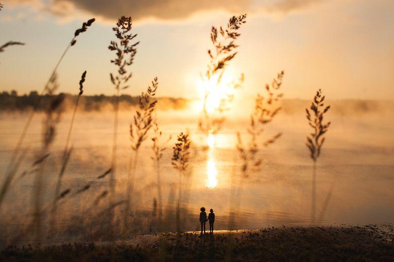 Лето, Люди, Парочка, Рассвет, Река, Утро Встречая рассветphoto preview
