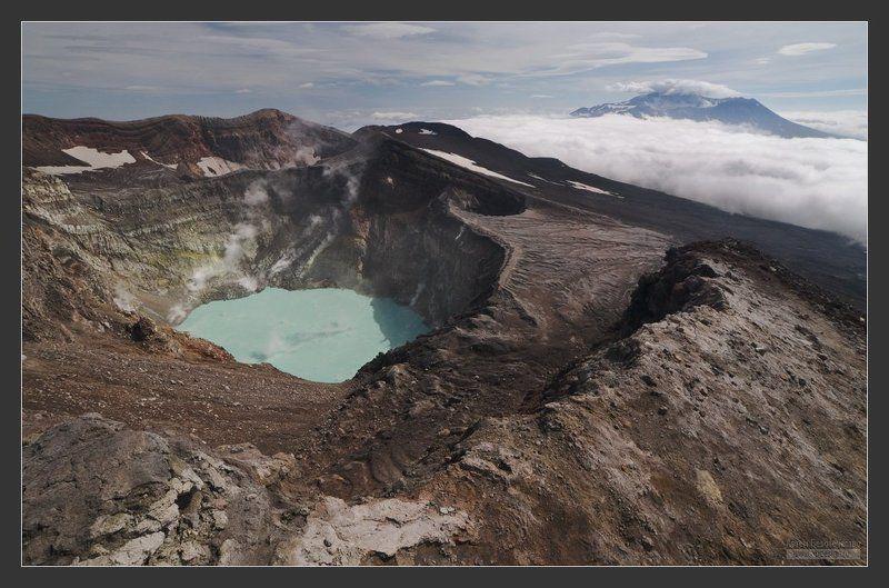 Классический вид с вершины вулкана Горелыйphoto preview