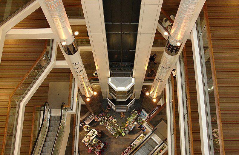 лестницы.лифты.движения вверх-внизphoto preview