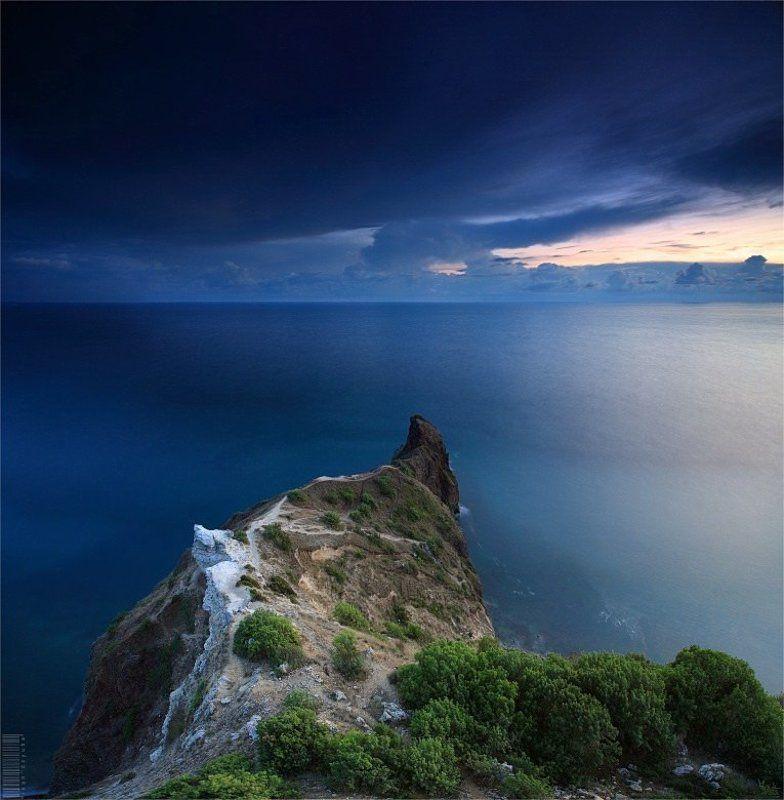 пейзаж Дракон уходит в мореphoto preview