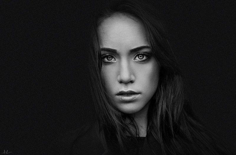 портрет глаза чб Ангелинаphoto preview