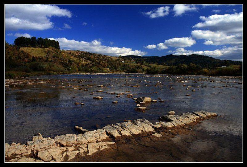 река, лес, камни, облака ***photo preview