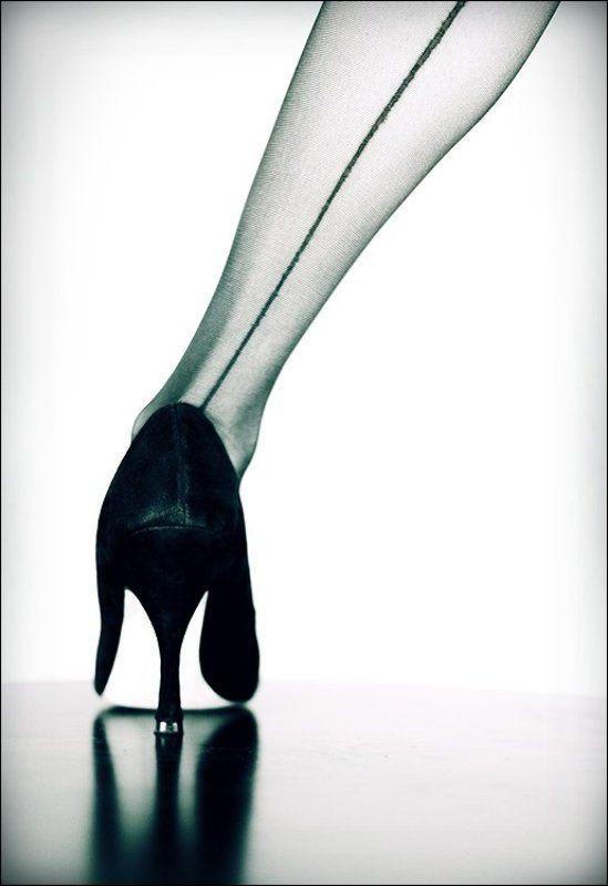 Автопортрет левой ноги...photo preview