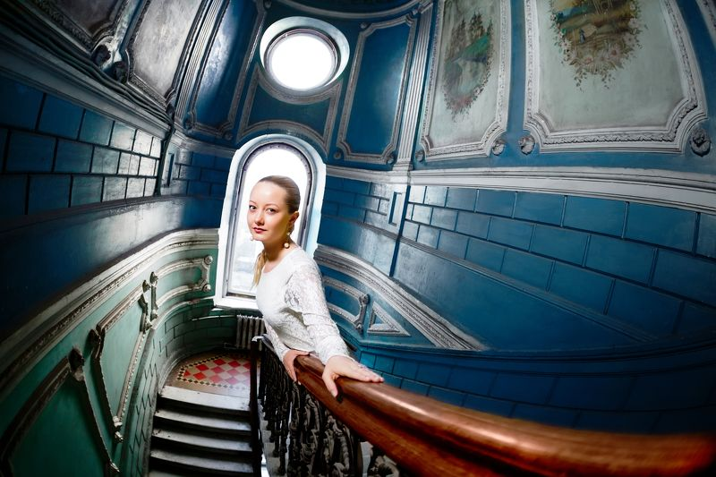 girl, architecture, windows, vintage, access, stairs, molding photo preview