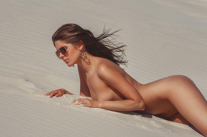 Девушка песок, Солнце песокphoto preview