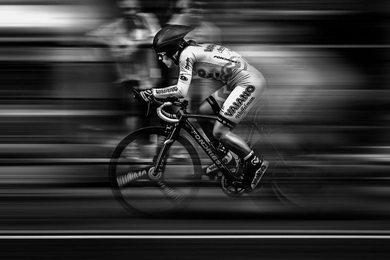 B&w, Bicycle, Bike, Circuit, City, Girl, Race, Sport, Street Pure focusphoto preview