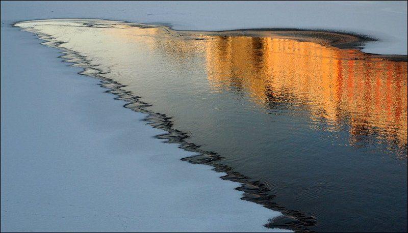 январь, зима, Санкт-Петербург, река Мойка, отражение есть город золотой...photo preview