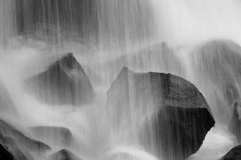 Водопад, Камни, Камчатка Камни у водопадаphoto preview