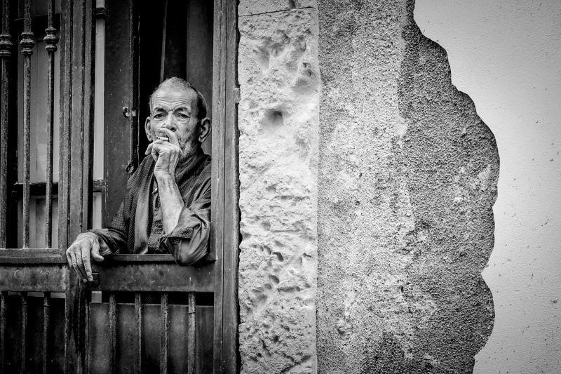 Tony Leone, Italy