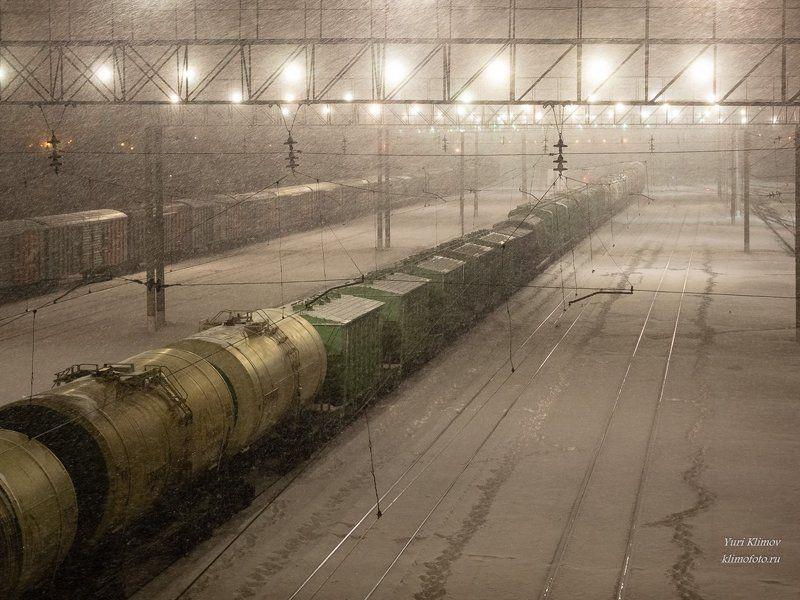 Железнодорожная заснеженная, умиротворяющая...photo preview
