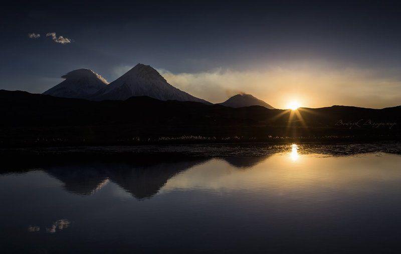 Вулканы, Камчатка, Рассвет Встречая новый деньphoto preview