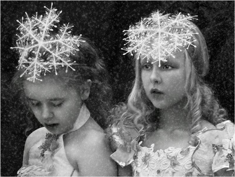 новый год снежинки, зима, девочки, взгляды, В королевстве снежинок!photo preview