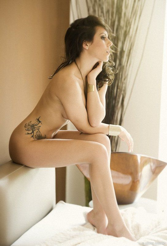 girl,nude,bed,bedroom,availablelight,martinwieland.photography bedroomphoto preview