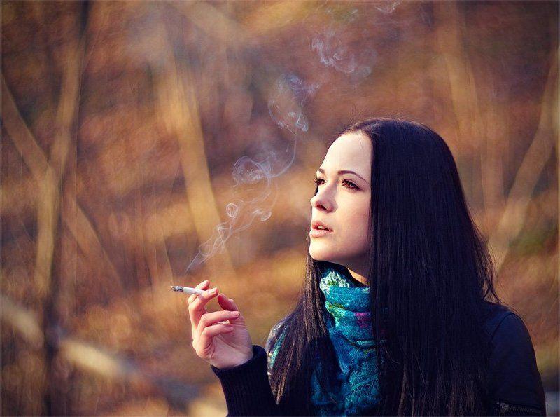 лена, сигарета, табак, дым, лес, весна Smoke girlphoto preview