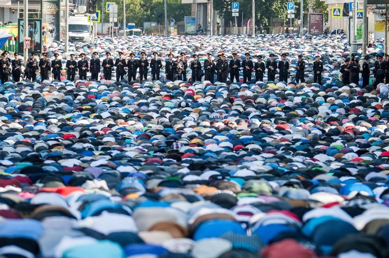Ураза-байра, соборная мечеть, мусульмане, muslim, намаз Ураза-Байрамphoto preview
