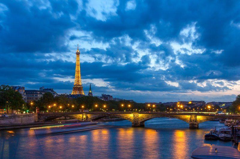 Эйфелева; башня, Сена; река; мост; Инвалидов; вечер; Париж, Франция Парижский вечерphoto preview