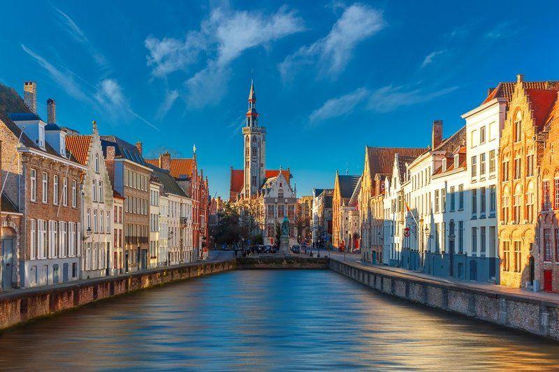 Брюгге Бельгия канал утро солнце зима Canal Spiegelrei Bruges Belgium Утренний Шпигельрейphoto preview