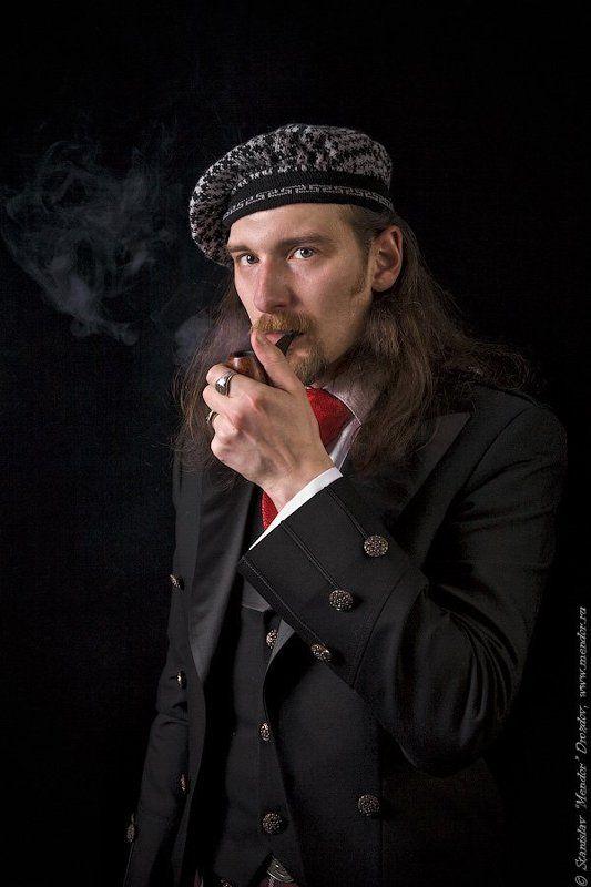 портрет, мужчина, трубка, берет, дым Джентльмены?...photo preview