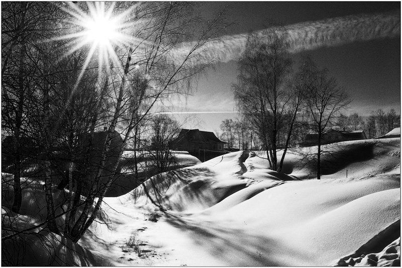 домик в деревне, зима, снег Никто домик в деревне случайно не продает?  А?photo preview