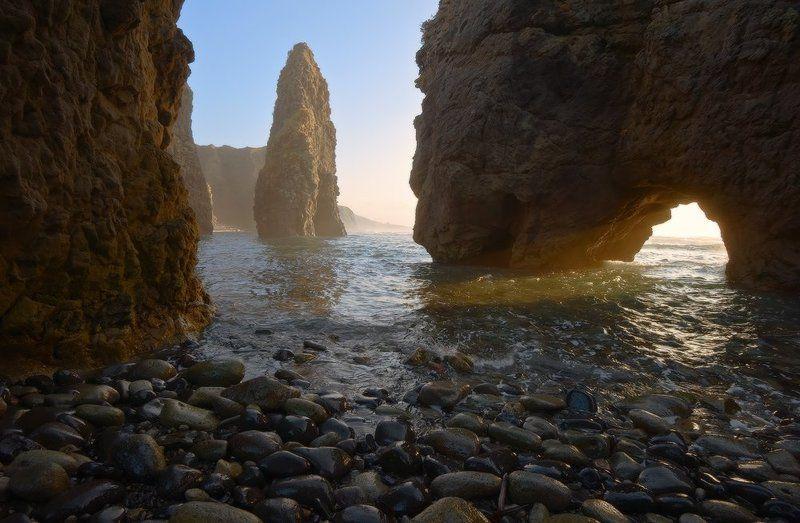 Колоссы Охотского моряphoto preview