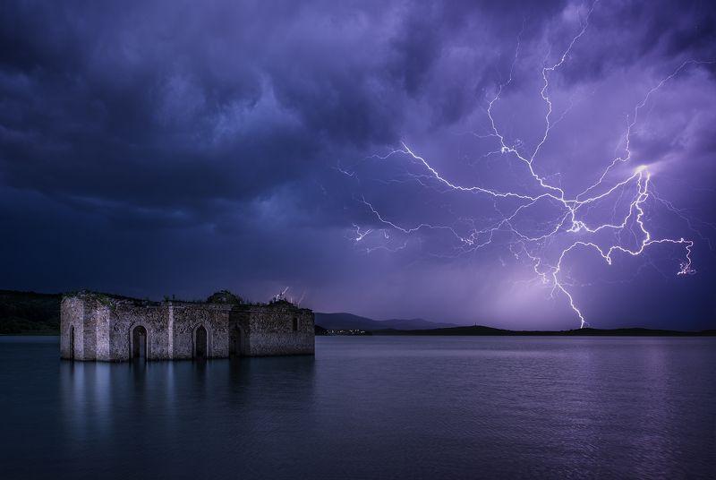 молния, церковь, озеро, жребчево, болгария Потопленная и озареннаяphoto preview