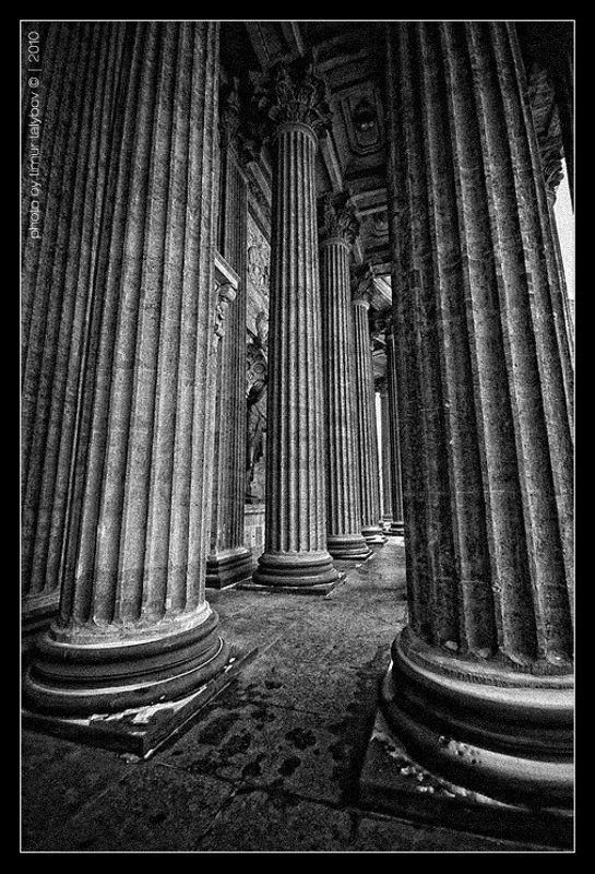 питер, собор казанской иконы божьей матери... Исполины...photo preview