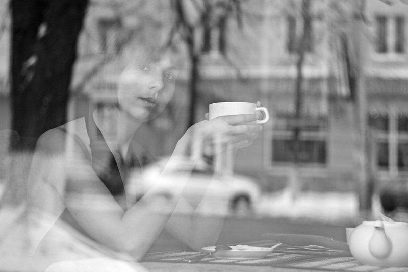 кофе, девушка, отражение Ароматphoto preview