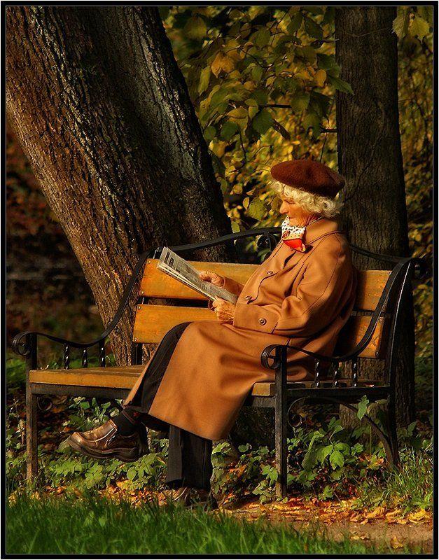 женщиа, пальто, берет, платок, осень Ленинградкаphoto preview