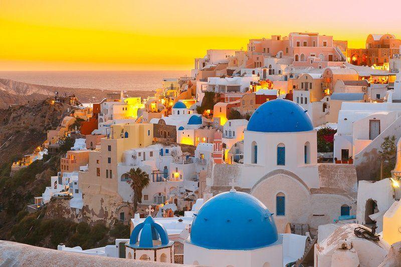 ойя санторини греция закат синие купола церковь белые домики Ойя на закатеphoto preview