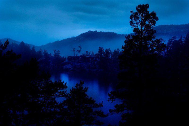 горное озеро Ночной \