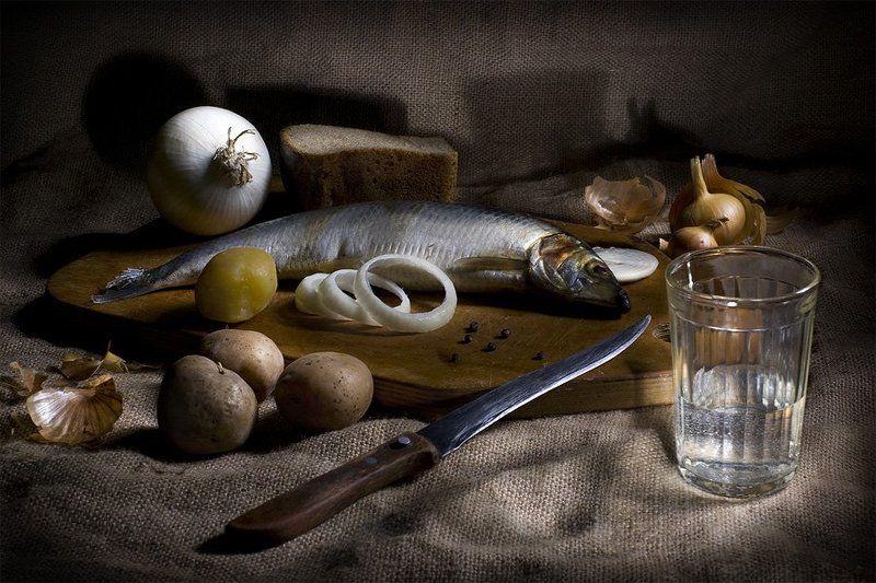 картошечка, селедочка, лучок и водочка Снедьphoto preview